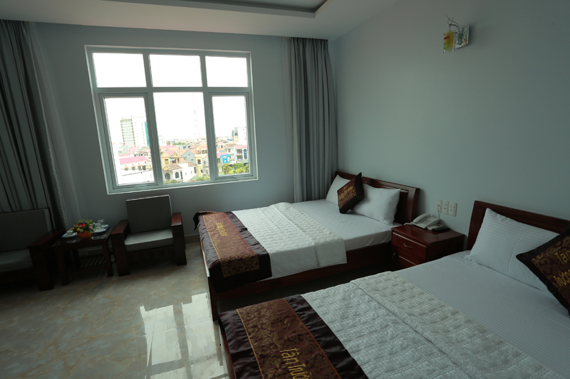 Deluxe Twin Bed - With City-Sea view