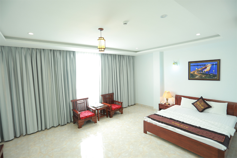VIP Double Bed With City - Sea view